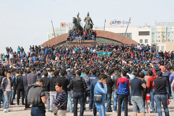 The rally in Atyrau, 24 April, 2016. Photo: Ak Zhayyk